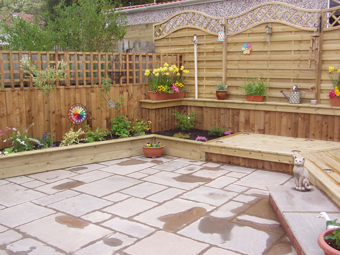 Garden flagging service | Williamsons Decking, Fencing & Flagging Suppliers and Services
